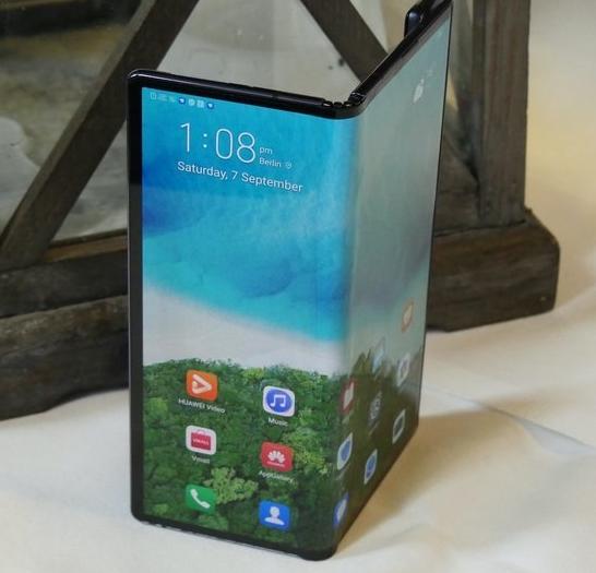 华为Mate X折叠手机经过长时间延迟后获得发布日期与价格
