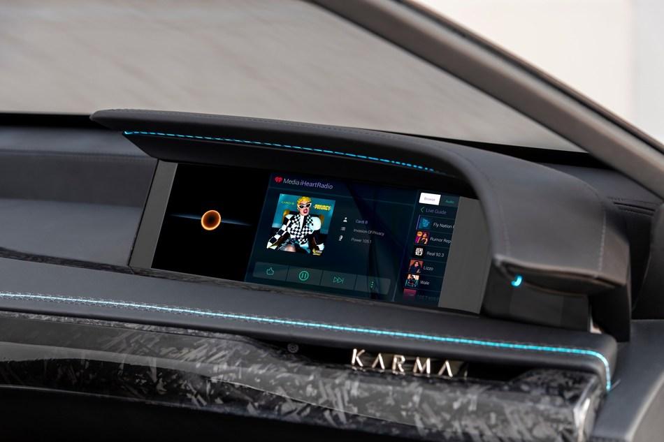 松下汽车推出其下一代互联电子驾驶舱