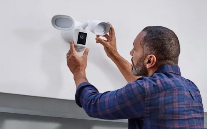 Ring将其雷达扫描技术引入了泛光灯相机